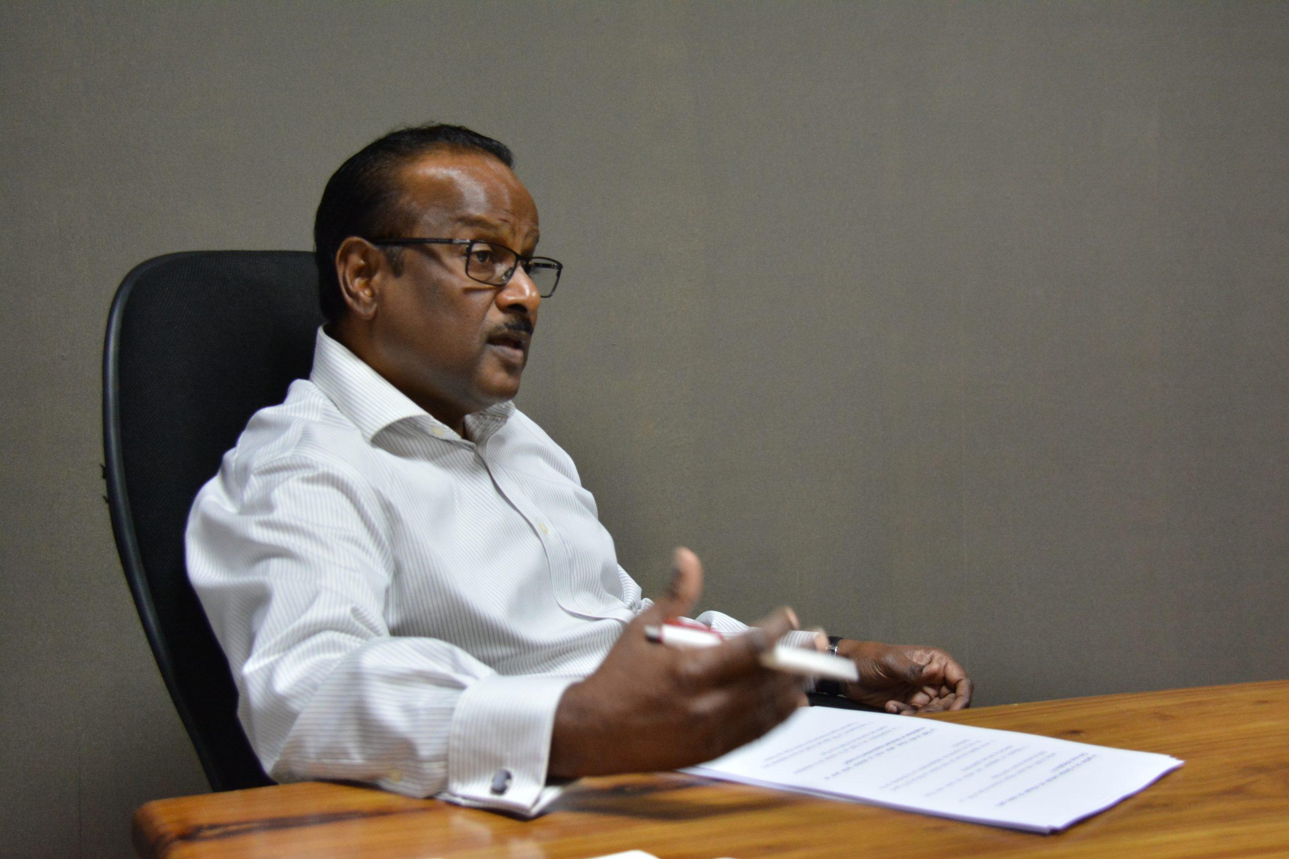 Sudhir Sesungkur « Pourquoi l'Escrow Agent Kavi Ramano est-il épargné ? »   Sunday Times